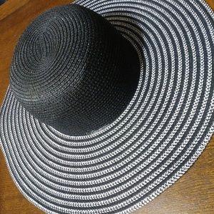 Elegant Sun Hat